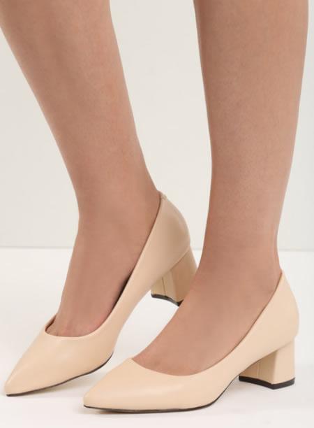 Pantofi Bej Cu Toc Mic Patrat