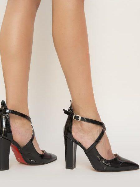 Pantofi Cu Barete In X Si Toc Gros