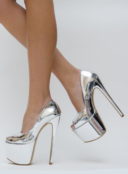 Pantofi Cu Toc Foarte Inalt Si Platforma Argintii