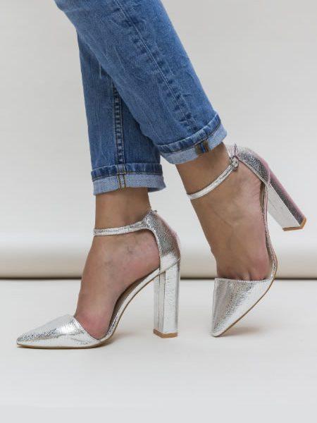 Pantofi Cu Toc Gros Inalt Si Bareta