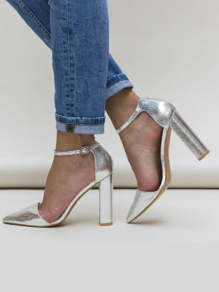 Pantofi Cu Toc Gros Inalt Si Bareta Argintii