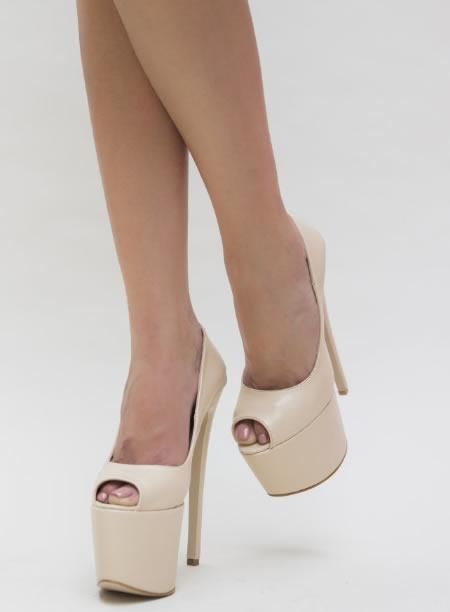 Pantofi De Club Cu Toc Cui Si Platforma Inalta Bej