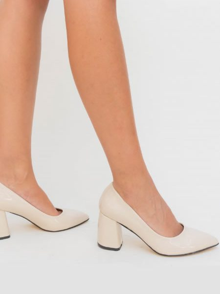 Pantofi De Dama Bej Cu Toc Patratos