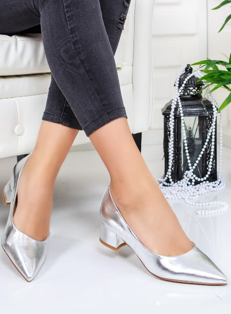 Pantofi Eleganti Cu Toc Mic Patrat Argintii
