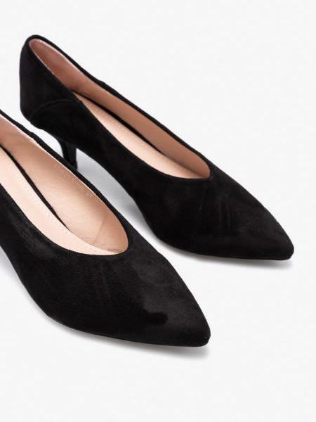 Pantofi Negri Cu Toc Subtire Mic