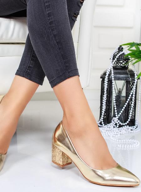 Pantofi Toc Jos Cu Paiete Aurii