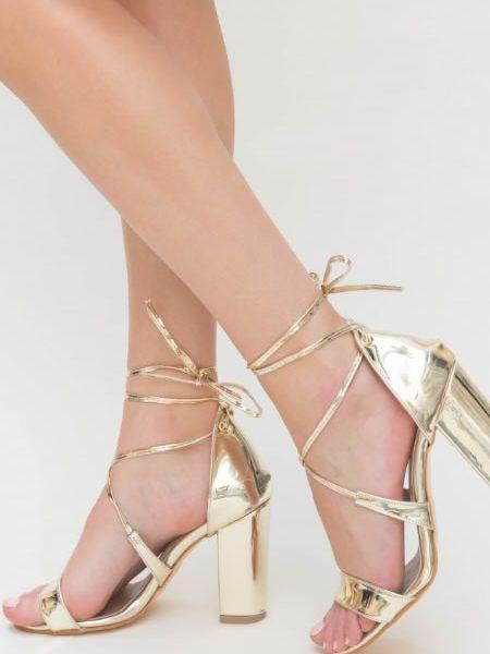 Sandale Aurii Cu Toc Gros Inalt Si Snur Pe Picior
