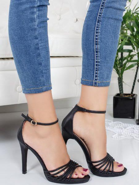 Sandale Cu Toc Inalt Cui Negre