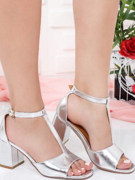 Sandale Cu Toc Mediu Evazat Argintii