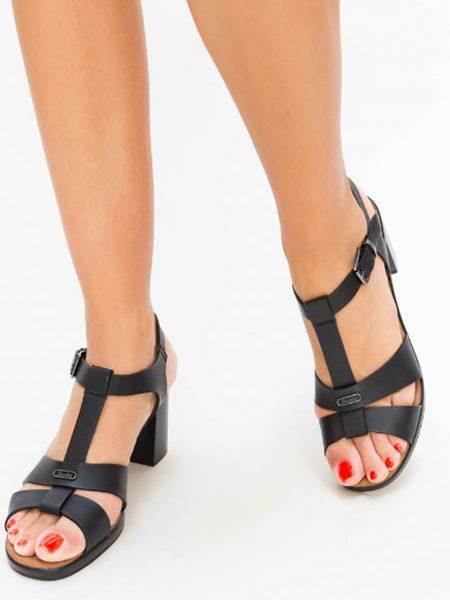 Sandale Cu Toc Mediu Si Bareta T