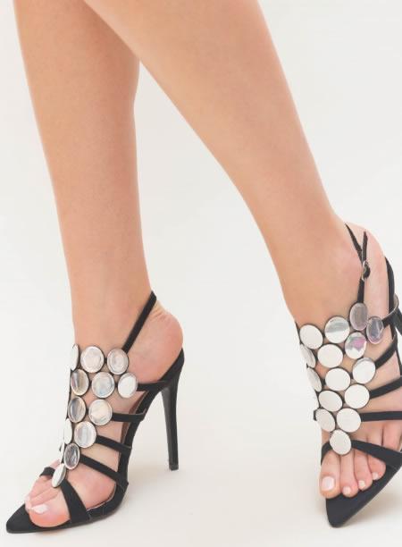Sandale elegante cu toc cui si varf ascutit din lac. Negre