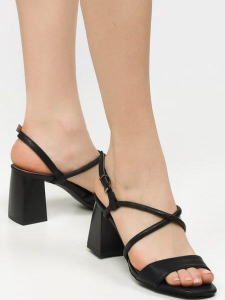 Sandale Negre Cu Toc Patrat Mic