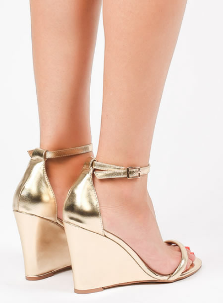 Sandale Aurii Cu Platforma Elegante