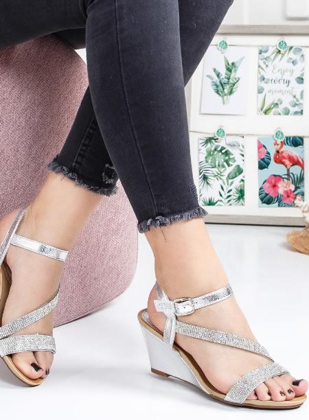 Sandale Cu Platforma Joasa Argintii