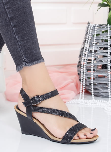 Sandale Cu Platforma Joasa Negre