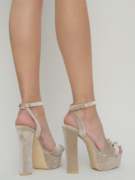 Sandale Din Catifea Cu Toc Gros Si Platforma Bej