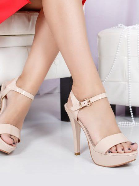 Sandale Inalte Cu Toc Si Platforma Bej