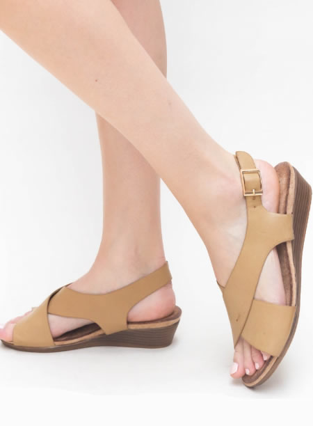 Sandale Joase Cu Platforma Bej