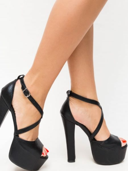 Sandale Negre Cu Toc Gros Inalt Si Platforma