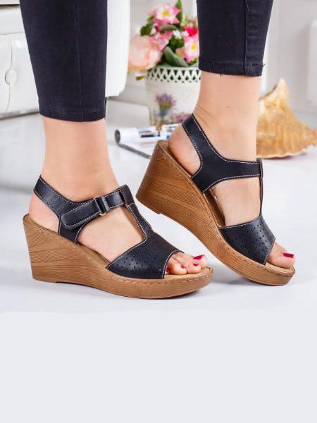 Sandale Perforate Cu Talpa Ortopedica Negre